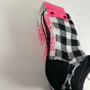 🆕 Betsey Johnson Black and White 6pk of Socks
